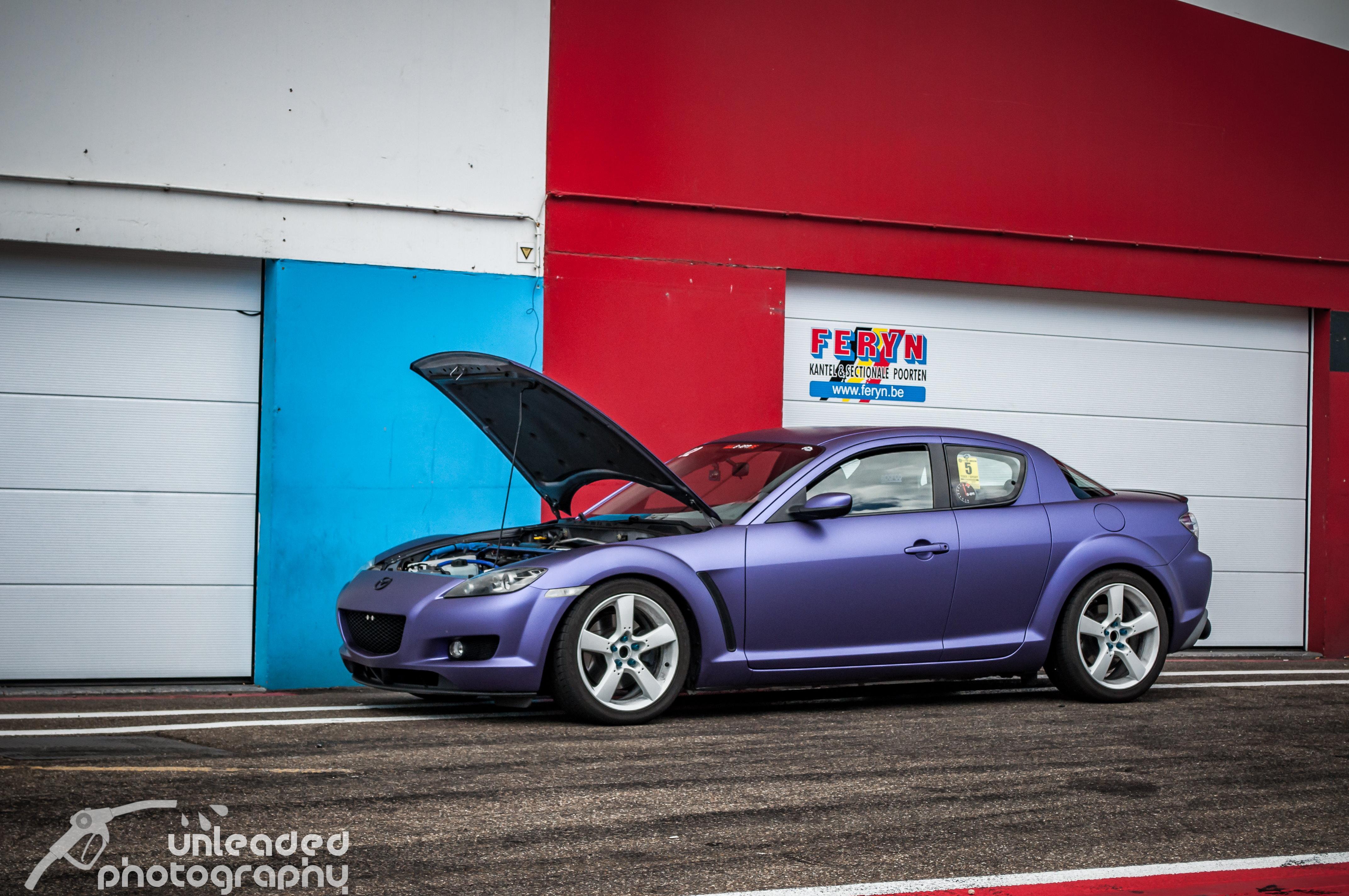 Sven's purple RX-8 @ Circuit Zolder pit lane